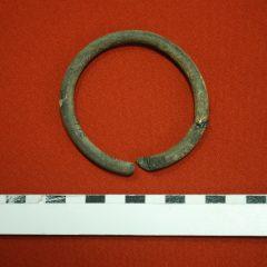 O brățară de sapropelit descoperită la Ciumești